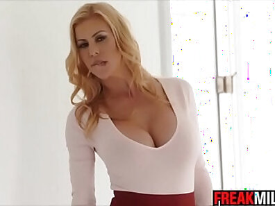 Sexy MILF likes to fuck and squirt before get cum from people movies